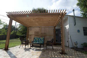 cedar_lattice_tile_patio