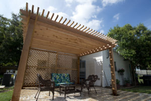 cedar_pergola_lattice_poolside